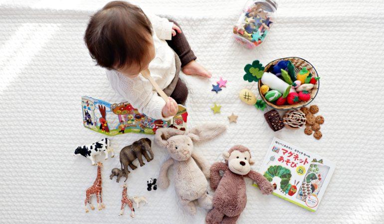 Vaikų iki trejų metų raida – į ką svarbiausia atkreipti dėmesį?